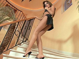 Long legged Anita Pearl teasing
