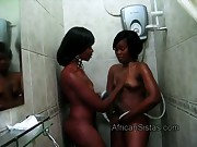 Booty Maxi helps Afro gf Sajeda to wash her hot body