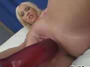 Fairhair playing with her anal
