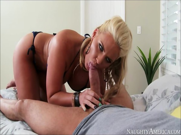 Phoenix Marie good deepthroat action